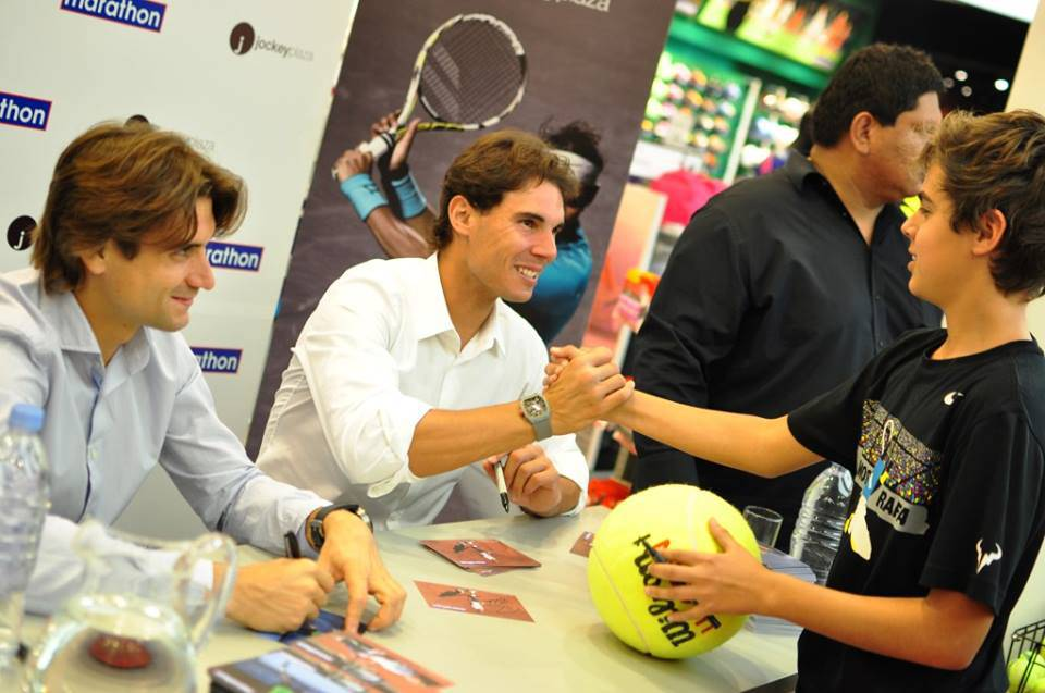 nadal-ferrer-sign-autographs-for-fans-peru-2013-5